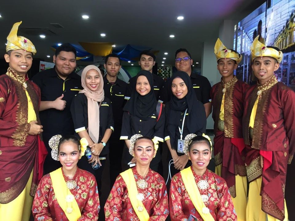 All students of Oxford Business College from all the programmes organized a multi cultural event, which exposed the cultural diversities and traditions around Malaysia.